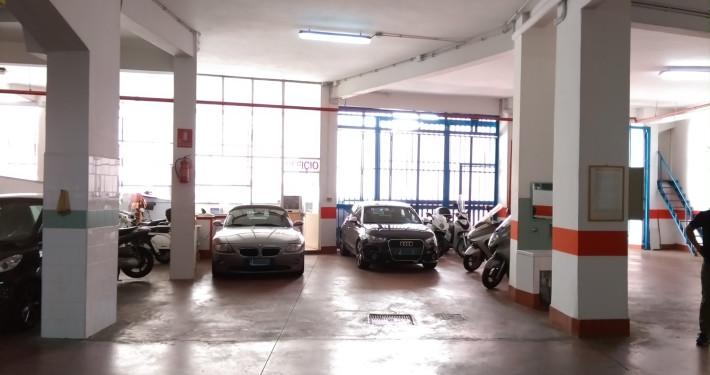 Parcheggio degli Eroi interno
