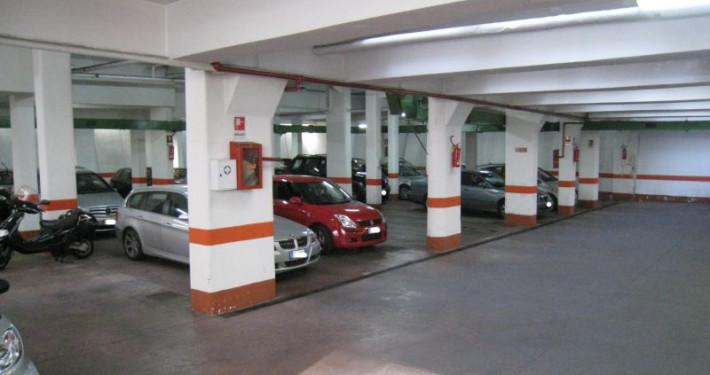 parcheggio viale marconi interno 1