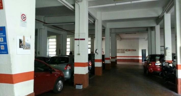 via friggeri parcheggio vista interno